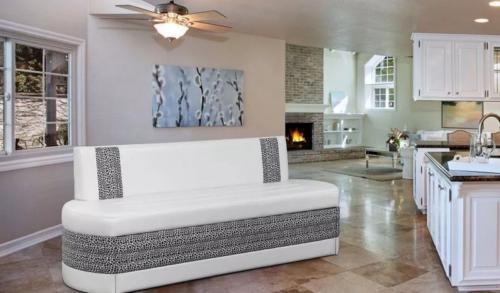Кухонный диван008
